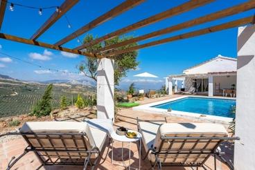 Encantandora casa rural con vistas a 30 minutos de Málaga capital