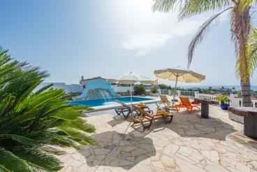 Ferienhaus mit charmanten Design, zwei Kilometer vom Strand entfernt