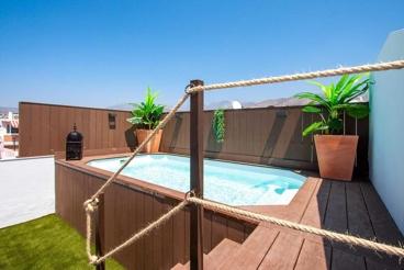 Casa de vacaciones con wifi y piscina en Nerja