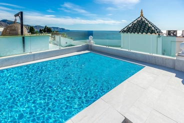 Holiday Home with swimming pool and barbecue in Nerja
