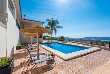 Luminosa casa de vacaciones donde disfrutar de magníficas vistas