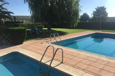 Holiday Home with swimming pool and garden in Montoro