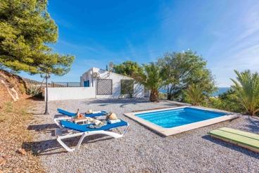 Preciosa casita con vistas al mar en entorno tranquilo