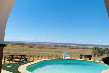 Casa Rural con chimenea y piscina en Villalba del Alcor