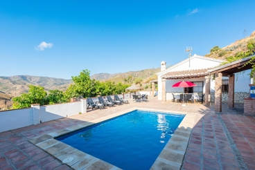 Holiday home in El Borge town - sleeps 9
