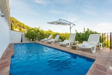 Volledig vernieuwd 6-persoons vakantiehuis in Casarabonela