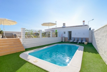 Holiday home with sea views and charming indoor area - 800 mt from the beach