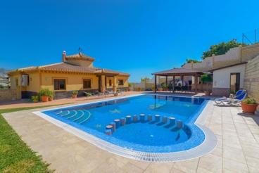 Vakantiehuis met zwembad en Wifi in Nerja