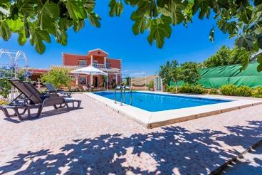 Casa Rural con piscina y Wifi en Teba