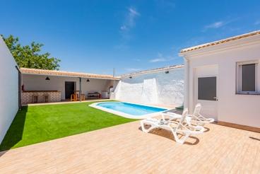 Gezellig ingericht vakantiehuis met prive zwembad
