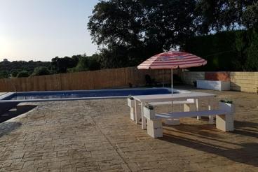 Casa Rural con piscina y barbacoa en Gerena