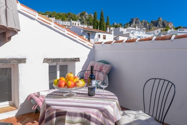 Cosy holiday home in Gaucin overlooking the town - with private pool