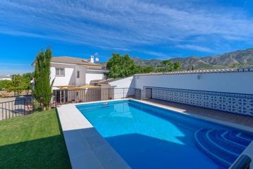 Vakantiehuis met Wifi en zwembad in Dúrcal