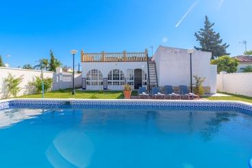 Casa Rural con piscina y barbacoa en Arcos de la Frontera
