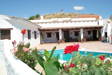 Casa Rural con chimenea y jardín en Huéscar