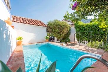 Vakantiehuis met Wifi en zwembad in Ojén