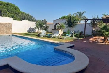 Casa Rural con piscina y barbacoa en Chiclana de la Frontera para 6 personas
