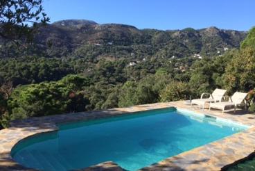 Villa avec piscine et Wifi à Casares