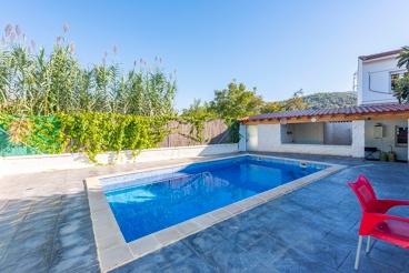 Villa avec piscine et wifi à Cortes de la Frontera