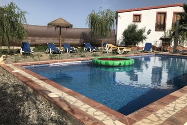 Holiday Home with Wifi and swimming pool in Cártama