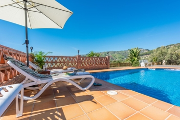 Ferienhaus mit Swimming Pool und Grill in Frigiliana