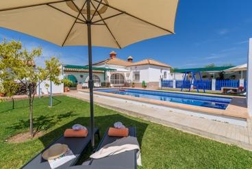 Vakantiehuis met zwembad en openhaard in La Puebla de Cazalla