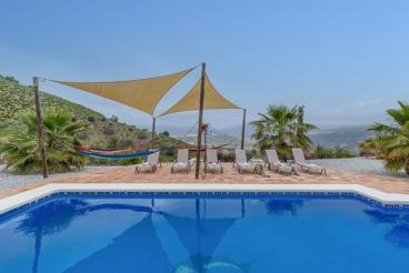Casa rural con vistas panorámicas en Viñuela