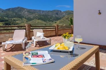 Casa con fabulosas vistas - ideal para descansar en la provincia de Málaga