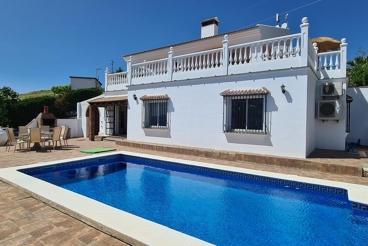 Casa Rural con Wifi y piscina en Viñuela para 8 personas