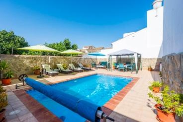 Ferienhaus mit Grill und Swimming Pool in Encinas Reales