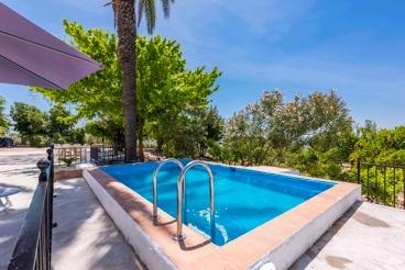 Ferienhaus mit Swimming Pool und Wlan in Cabra