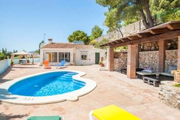 Casa Rural con piscina y wifi en Cómpeta