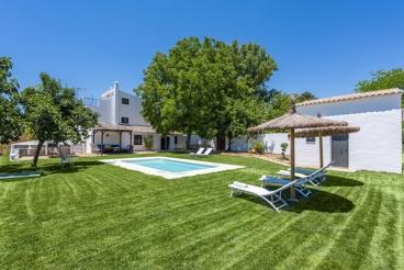Casa Rural con chimenea y piscina en Ronda para 14 personas