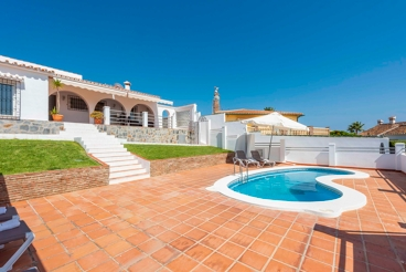 Vakantiehuis dicht bij het strand met tuin en openhaard in Vélez-Málaga