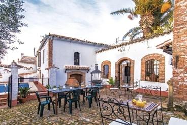 Villa avec barbecue et piscine à Fuente Obejuna