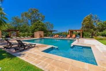 Villa avec piscine et wifi à Benajarafe Alto