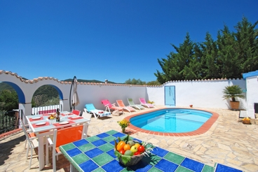 Holiday Home near the beach with barbecue and Wifi in Comares