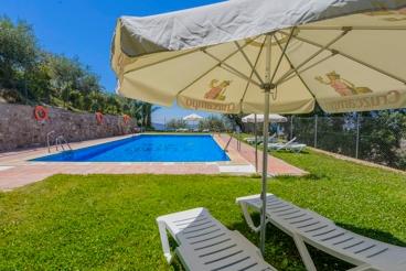 Ferienhaus mit zwei Schlafräumen - wunderschön eingebettet in die Natur der Provinz Granada