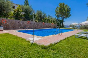Ferienhaus mit geteiltem Außenbereich und Pool in der Provinz Granada