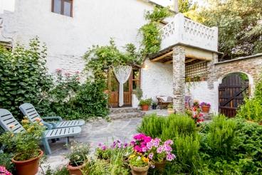 Pittoresk vakantiehuis met prachtig terras in de provincie Granada