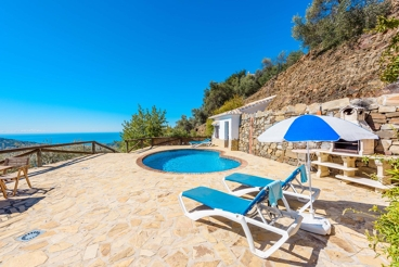 Superb Villa with see view