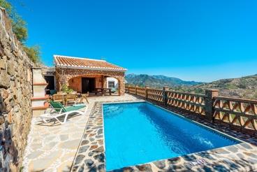Perfect gelegen villa met fantastisch uitzicht in de natuur
