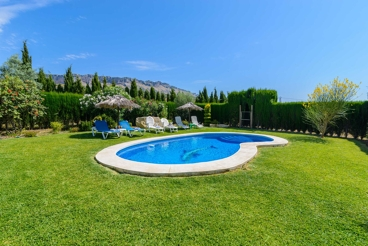 Maravillosa casa rústica con gran jardín y piscina