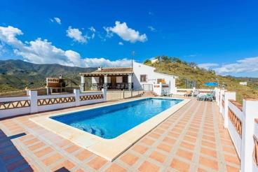 Ferienhaus mit Pool auf dem Land in Almachar
