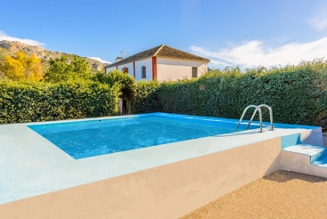 Two-storey holiday villa ideal for groups, 20 km from Ronda