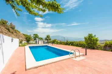 Excellent vakantiehuis met pool in het kustgebied