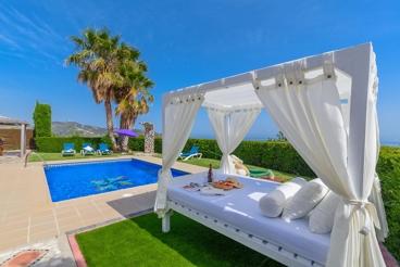 Leuke villa met pool en droomachtig zeezicht