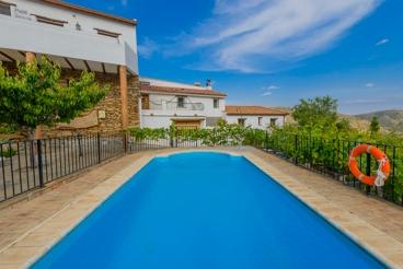 Finca mit Pool, Kamin und Platz für sechs Personen in Laroya, Almería