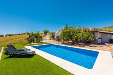 Bonita casa rural, totalmente privada, ubicada en el campo