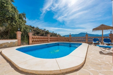 Grandiose villa with private pool ideal for families